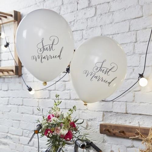 10 globos Just Married