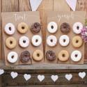 Dos paredes de donuts