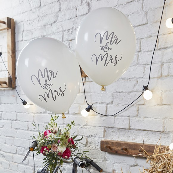 10 globos Mr & Mrs