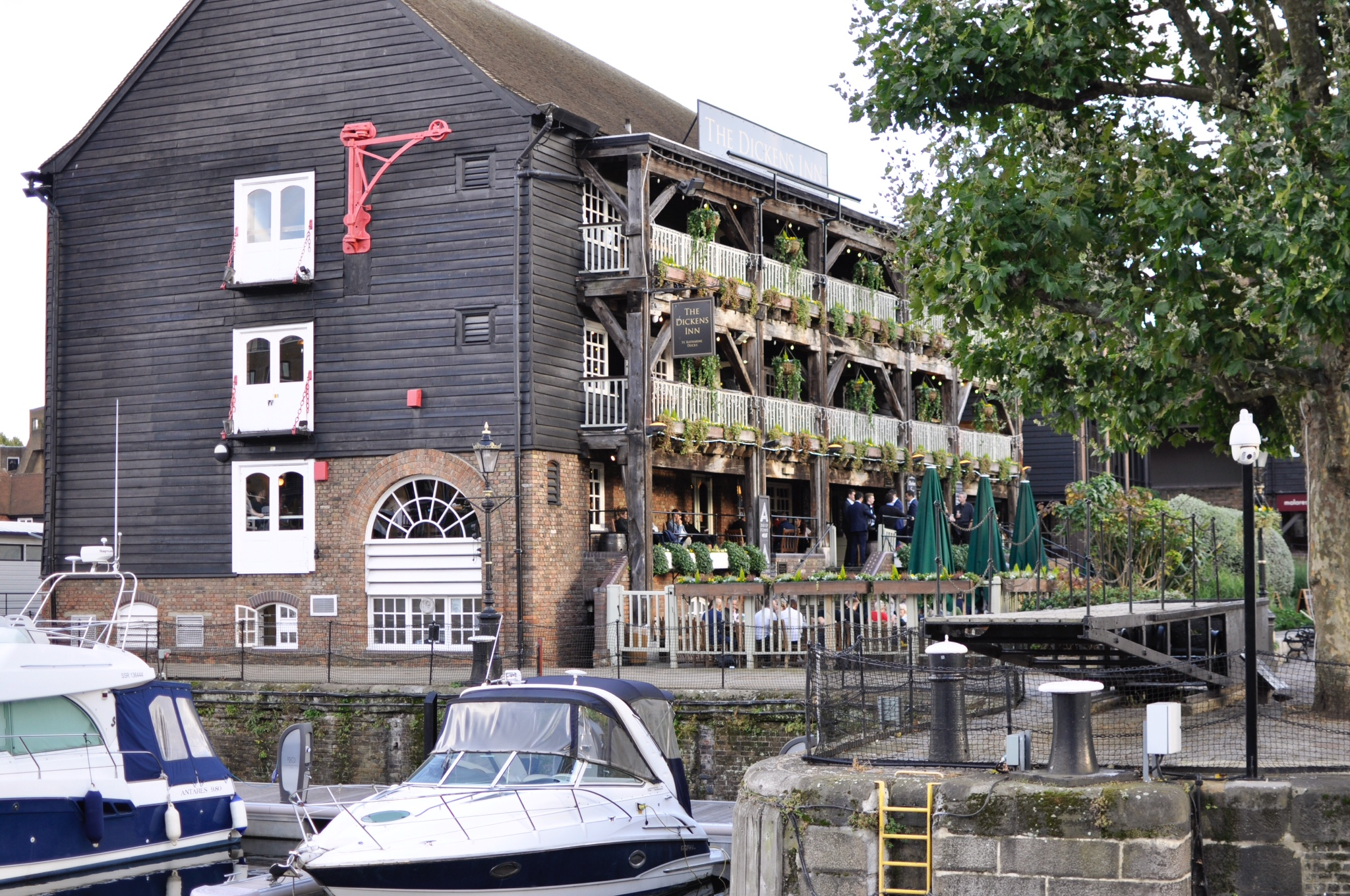 wapping pub